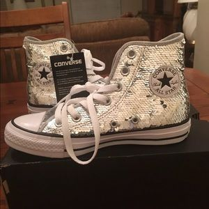 Chuck Taylor Sequin Converse New In Box Sz 5